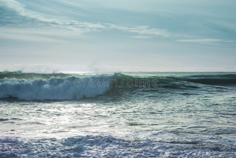 łamania oceanu fala fotografia stock