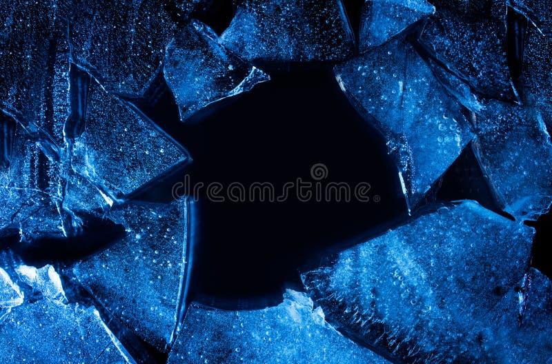 Łamany i krakingowy błękita lód obrazy stock
