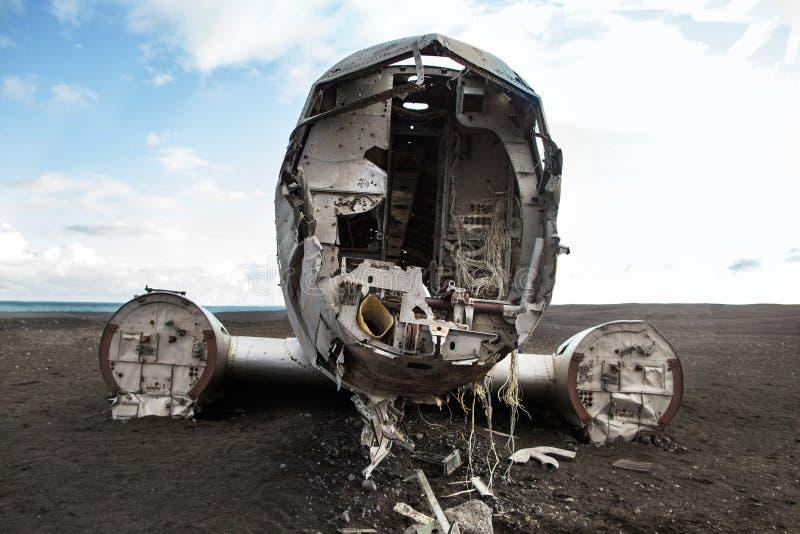 Łamany samolot na plaży czarna plaża w Iceland fotografia royalty free