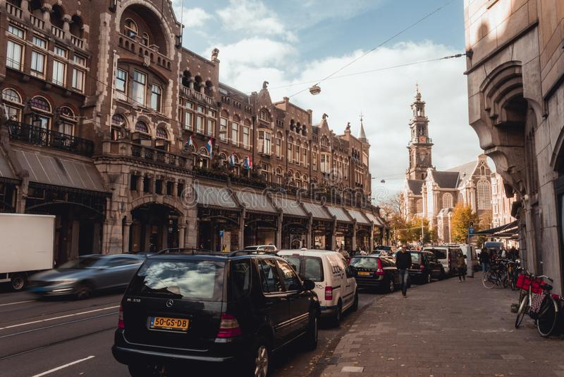 Łatwy popołudnie na ulicie w sercu Amsterdam zdjęcia stock