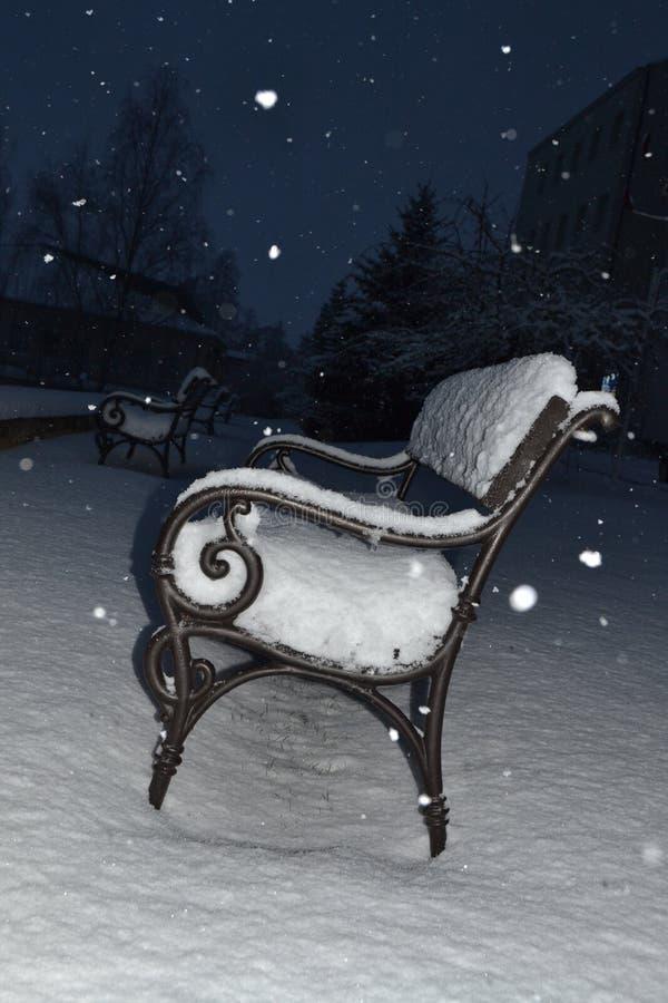 Ławka w śniegu zdjęcie stock