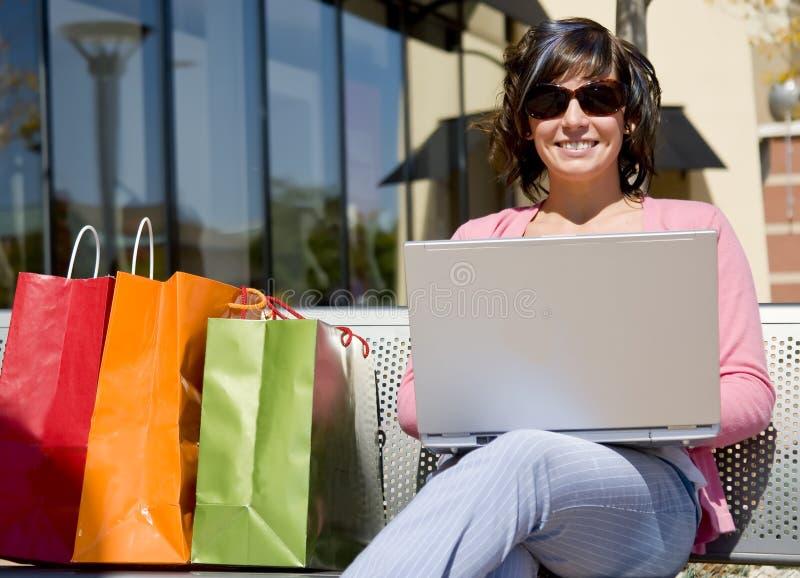 ławki laptopu kobieta zdjęcie stock