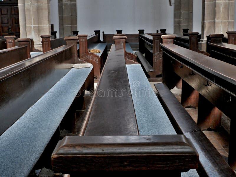 Ławki w kościół obrazy stock