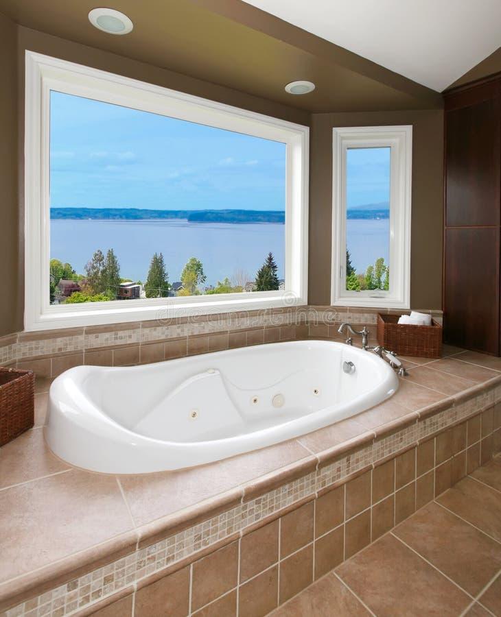 łazienki woda nowa balii widok woda obraz stock