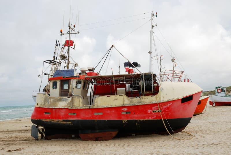 łodzi brzegowy połowu piasek obraz royalty free