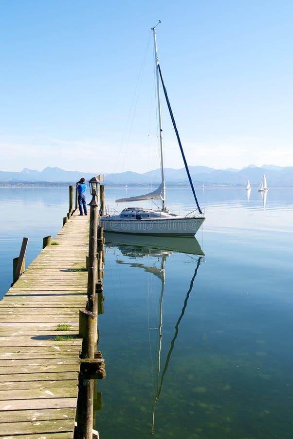 łodzi chiemsee jeziorny parking mola żeglowanie obrazy royalty free
