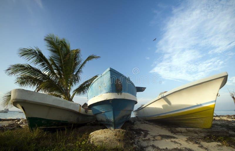 łodzi karaibskiego połowu denny brzeg trzy zdjęcia stock