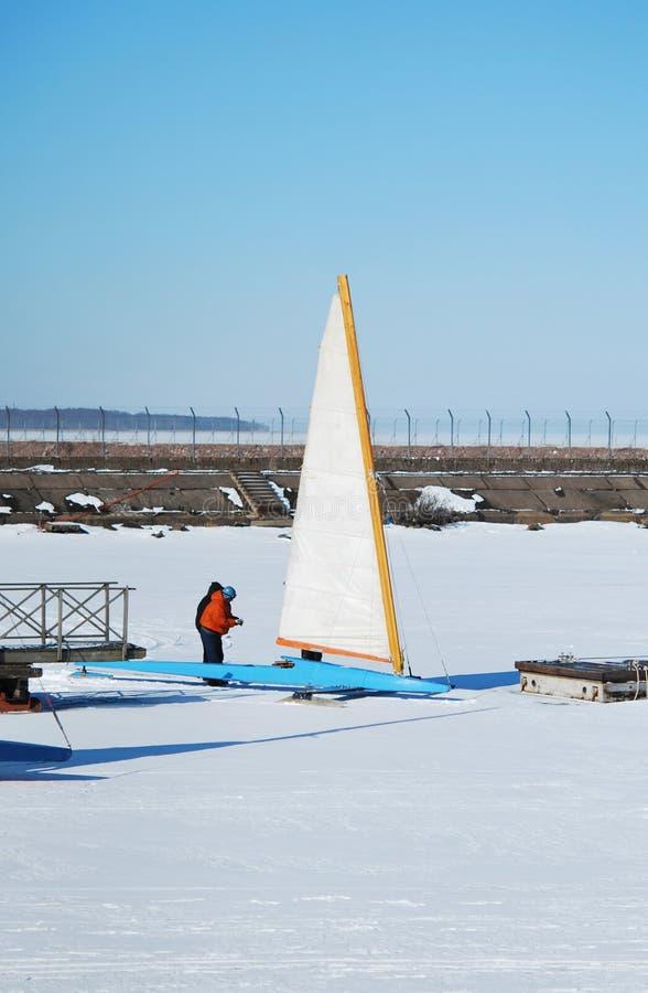 łodzi lodu target2361_0_ zdjęcia stock