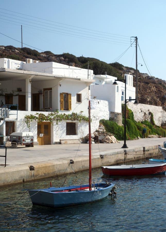 Łodzi rybackiej architektury typowa wioska Faros na Sifnos Isla obraz stock
