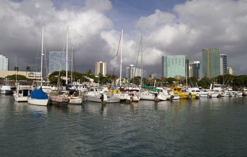 łodzie folowali Hawaii marina fotografia royalty free