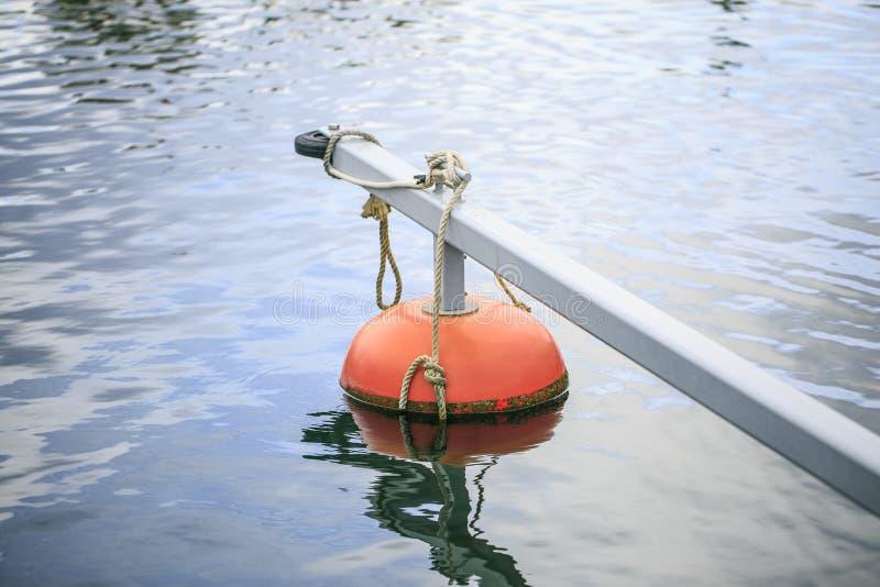 Łodzie i jachty w porcie zdjęcie royalty free