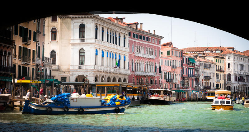 łodzie kanałowy uroczysty Venice zdjęcie royalty free