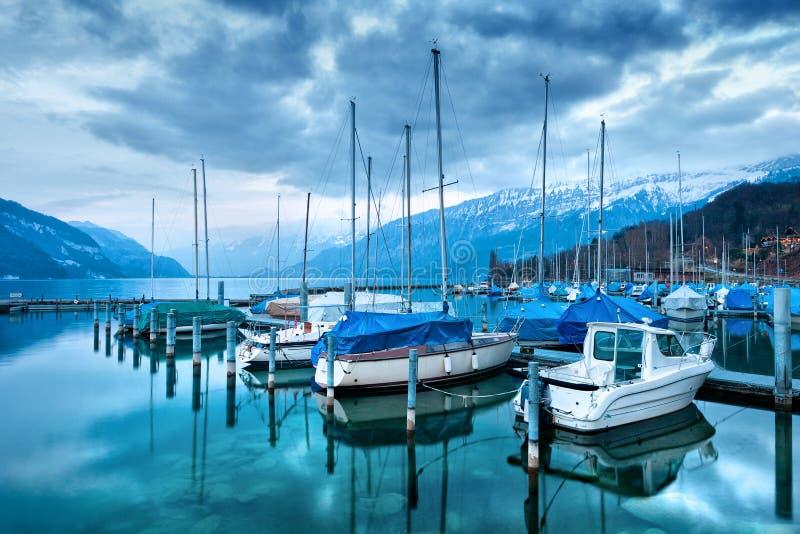 Łodzie na Jeziornym Thun. obrazy royalty free