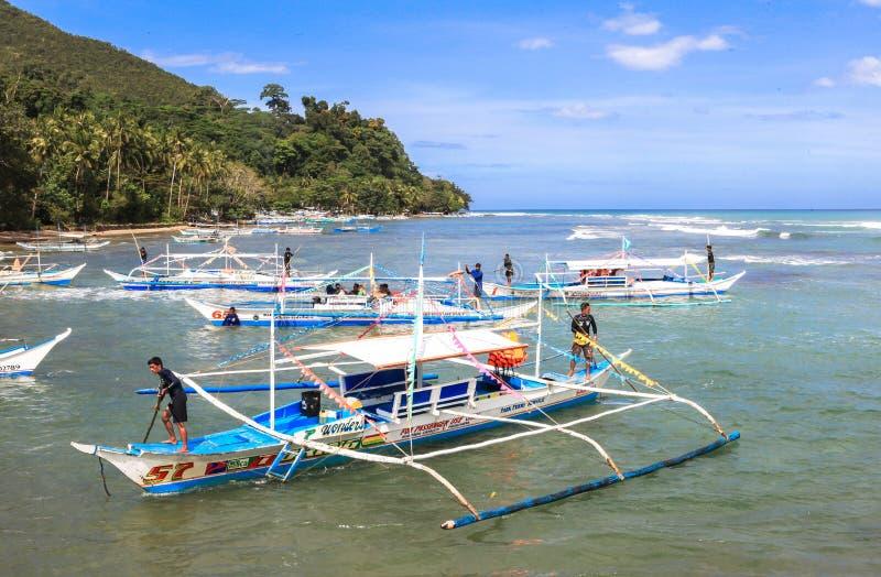 Łodzie na plaży Puerto Princesa, Filipiny zdjęcie royalty free