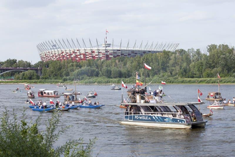 Łodzie na rzecznym Vistula w Warszawa podczas świętowania 75th rocznica Warszawski powstanie zdjęcie royalty free
