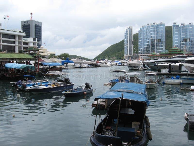 Łodzie przy marina w Aberdeen, Hong Kong obrazy royalty free