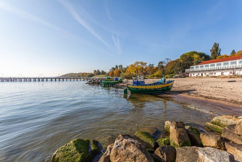 Łodzie rybackie na dennym brzeg w Gdynia, Orlowo -, Polska zdjęcia royalty free