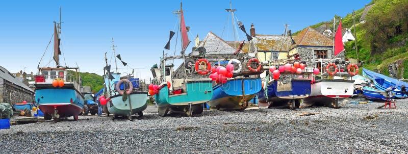 Łodzie rybackie przy cornish wybrzeżem obraz royalty free