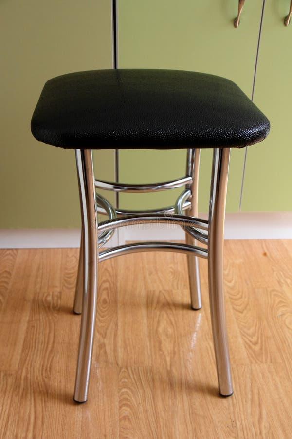 Łomotać krzesła z chrom nogami zdjęcia stock