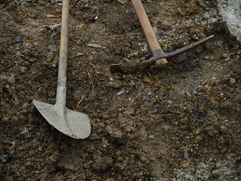 Łopaty w piasku obrazy royalty free