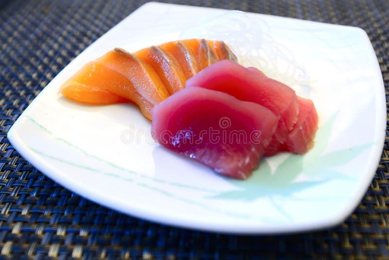 Łososia i tuńczyka sashimi japończyka jedzenie zdjęcia royalty free