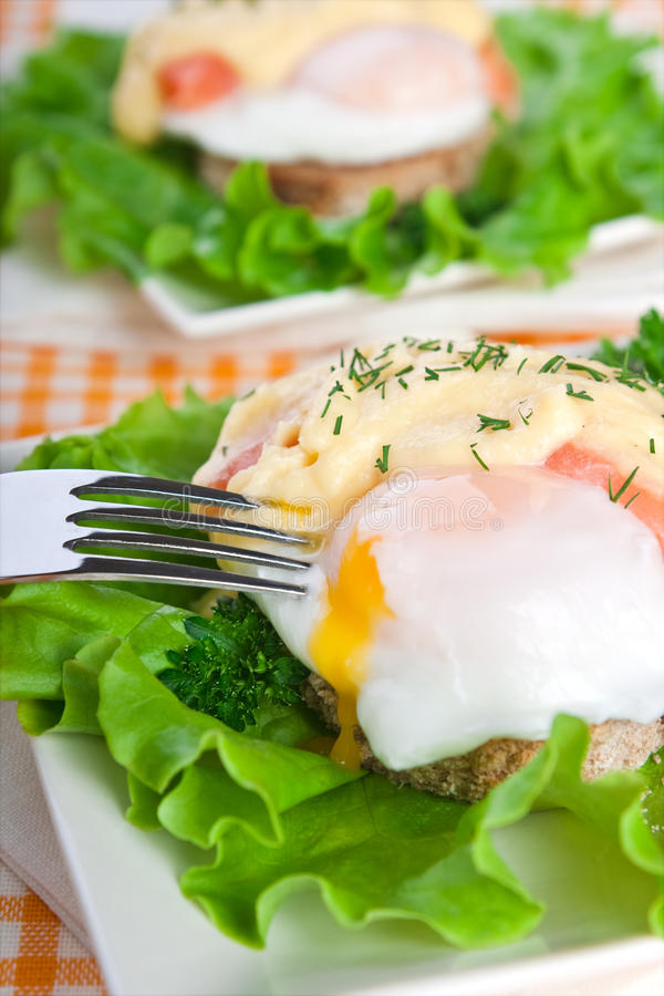 łososiowi Benedict jajka fotografia stock
