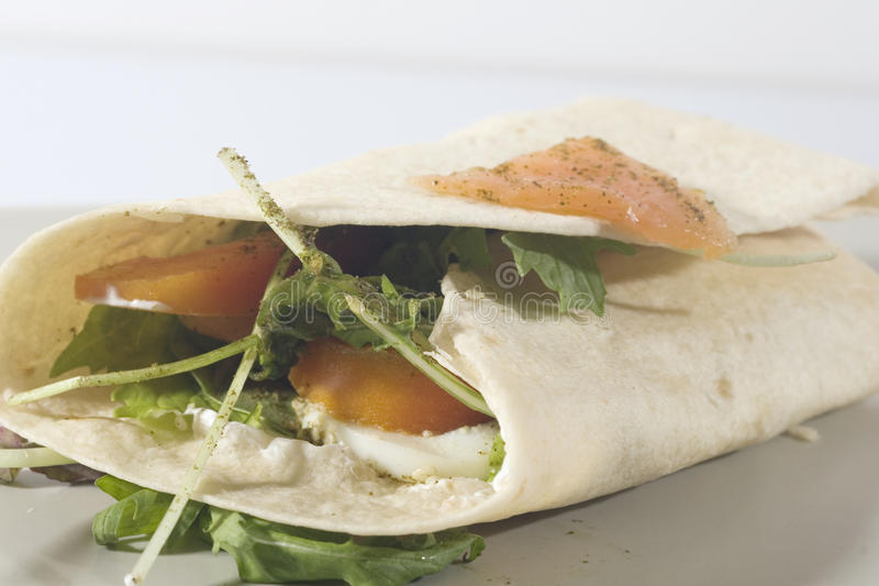 łososiowy tortilla fotografia stock