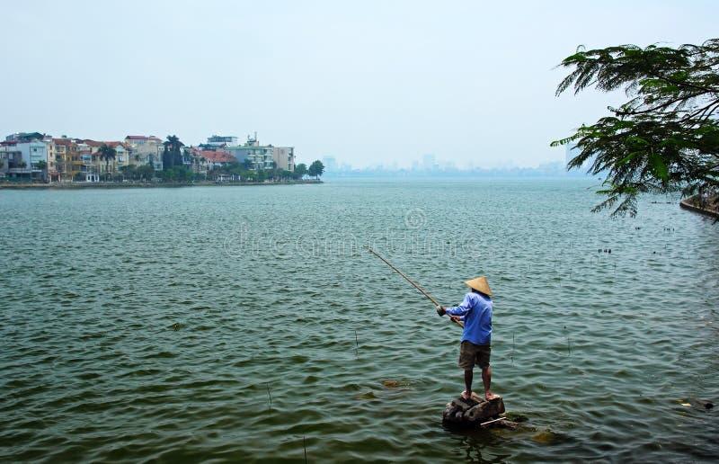 Download Łowić Na Zachodnim Jeziorze Obraz Stock - Obraz złożonej z pomarańcze, popularny: 65226389
