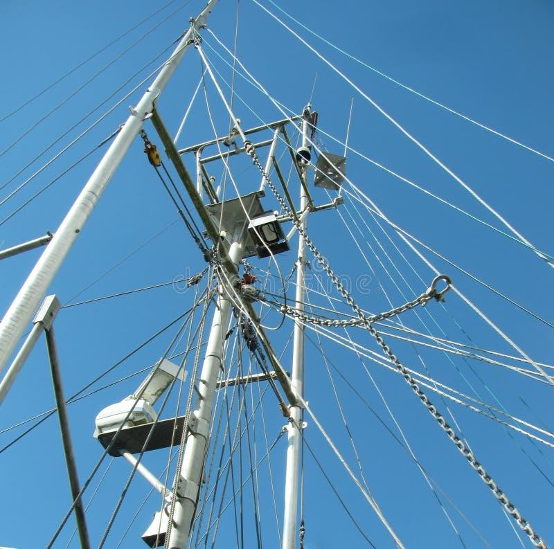 Łowić statku żelaza maszt z olinowaniem obrazy stock