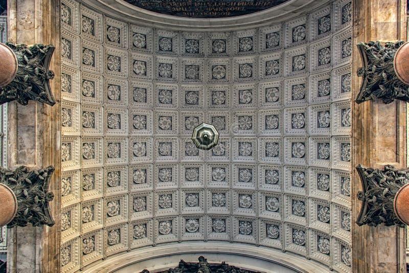 Łuk wejście St Isaac ` s katedra, StPetersburg zdjęcia stock