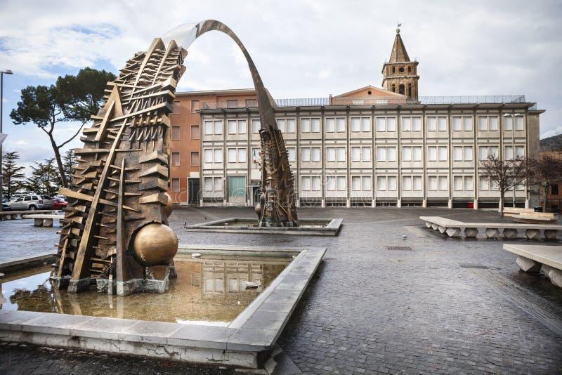 Łuk zakładać ojcuje w piazza Garibaldi (Pomodoro) zdjęcie royalty free