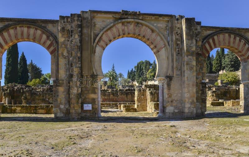 Łuki w Medina Azahara zdjęcia stock