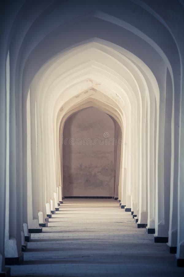 Łukowata korytarz perspektywa w Bukhara, Uzbekisan obrazy royalty free