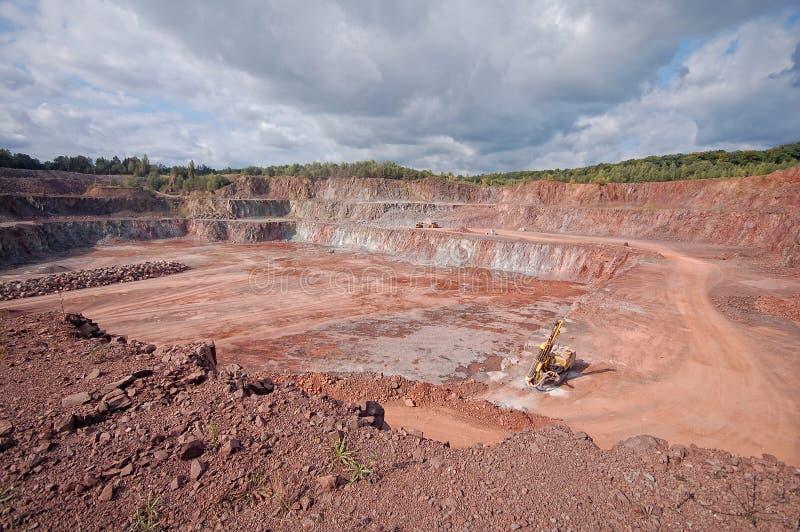 Łup kopalnia porfir skała wiertacz w kopalni obrazy stock