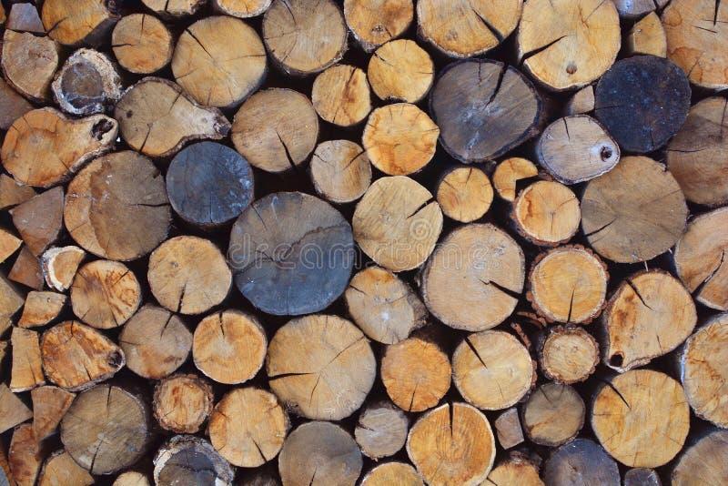 łupek siekać bele Drewniany tło poleśny obrazy royalty free