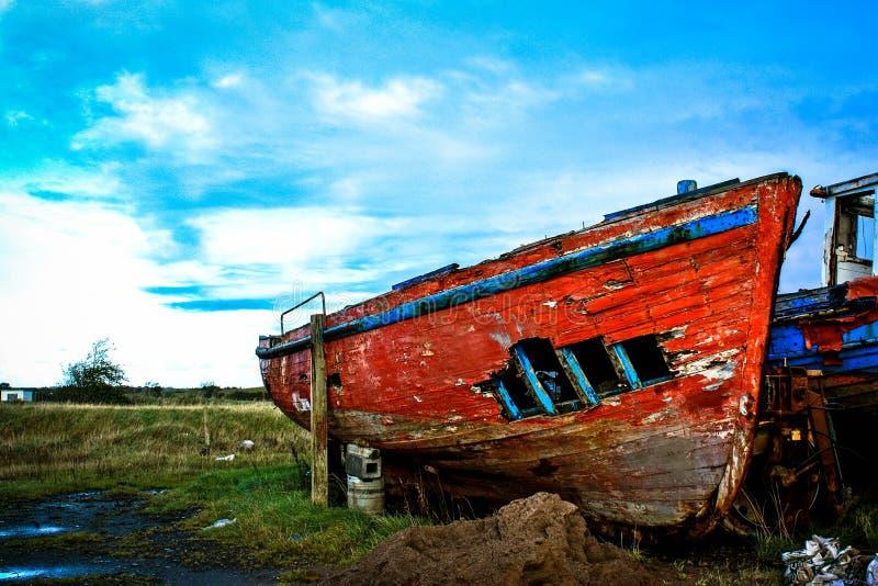 Łuska rewolucjonistka Rujnująca łódź fotografia royalty free