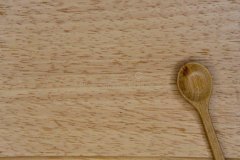 Łyżka i talerz robić od drewna fotografia stock