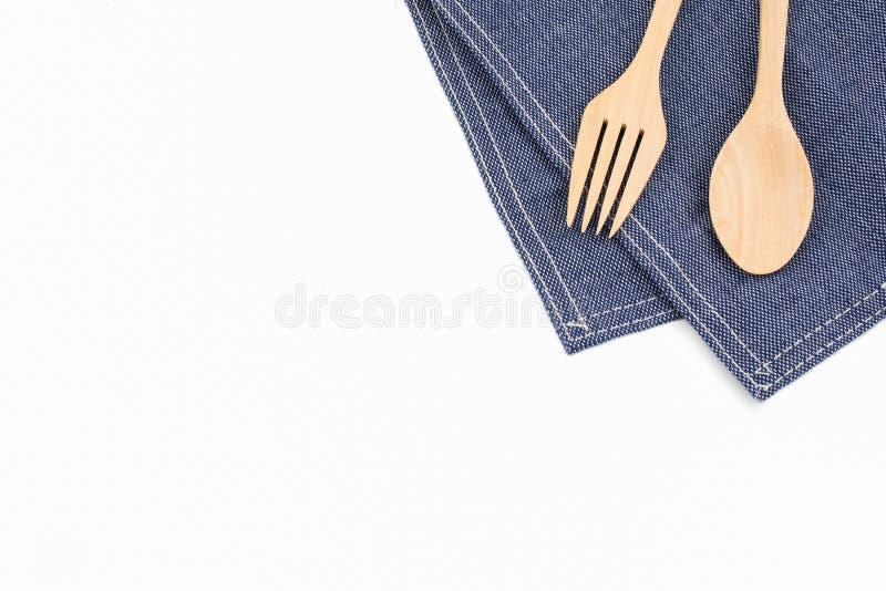 Łyżka, rozwidlenie i pielucha odizolowywający na białym tle, zdjęcie stock