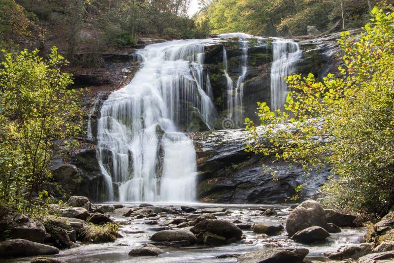 Łysa rzeka spada w jesieni obrazy stock