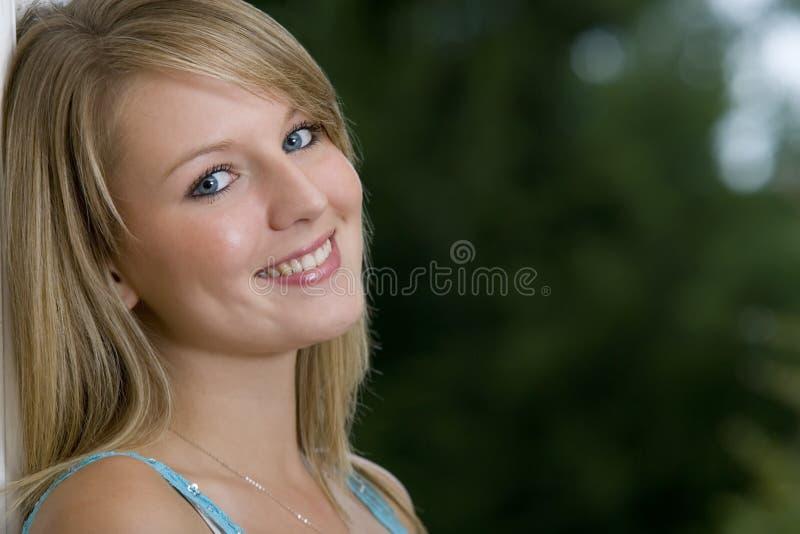 œil bleu de cheveu blond photo libre de droits