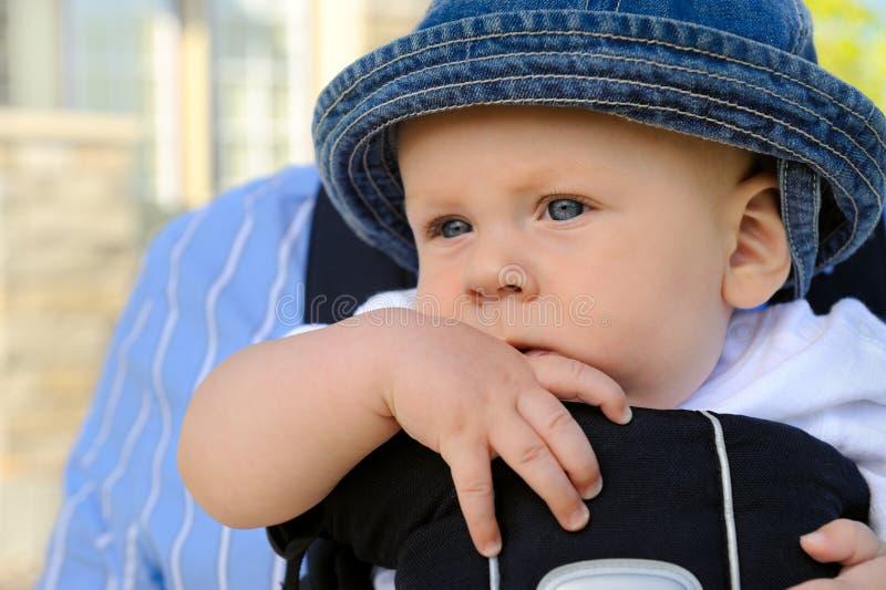 œil bleu, enfant en bas âge photo libre de droits
