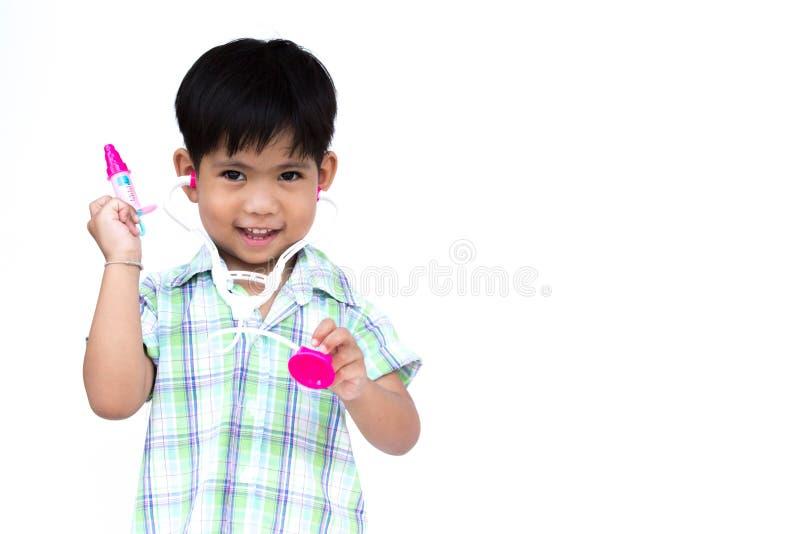 Ściółki chłopiec jest ubranym stetoskop zdjęcia royalty free