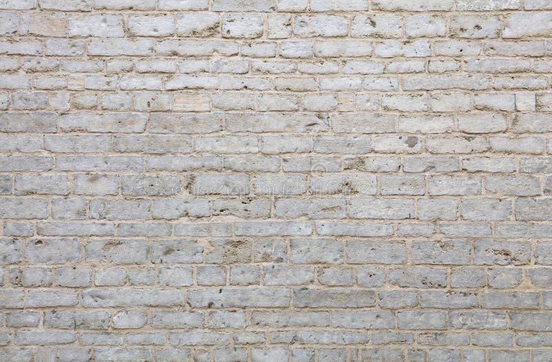 Ściana białe naciekowe adarce kamienia cegły zdjęcia stock