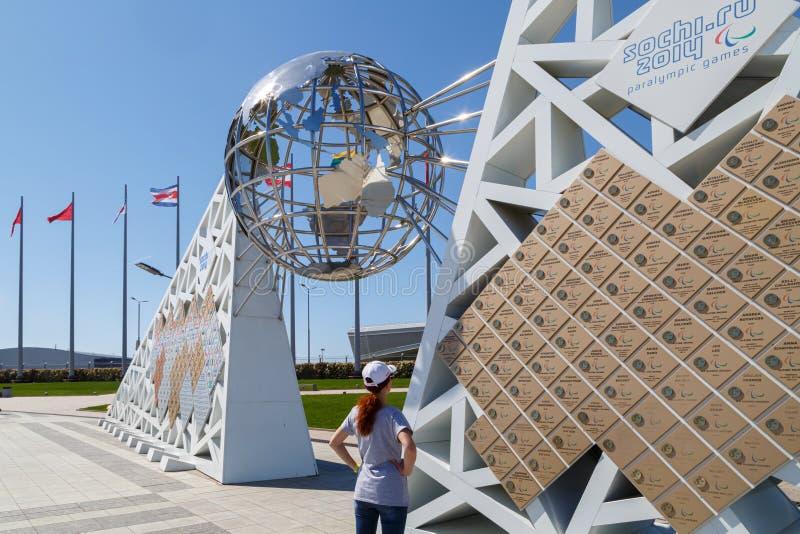 Ściana mistrzowie na których piszą wszystkie imionach zwycięzcy XXII Olimpijski i Paralympic gry w Sochi Olimpijskim parku obraz stock