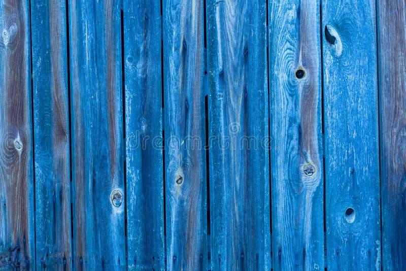Ściana robić z drewnianymi deskami błękit barwiący zdjęcia royalty free