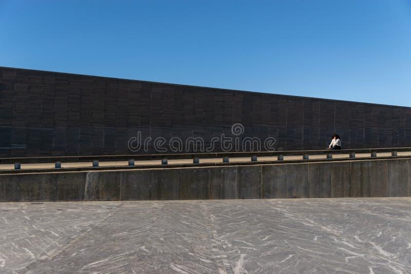 Ściana z imionami ofiary stan przemoc w parku pamięć w Buenos Aires, Argentyna obrazy stock
