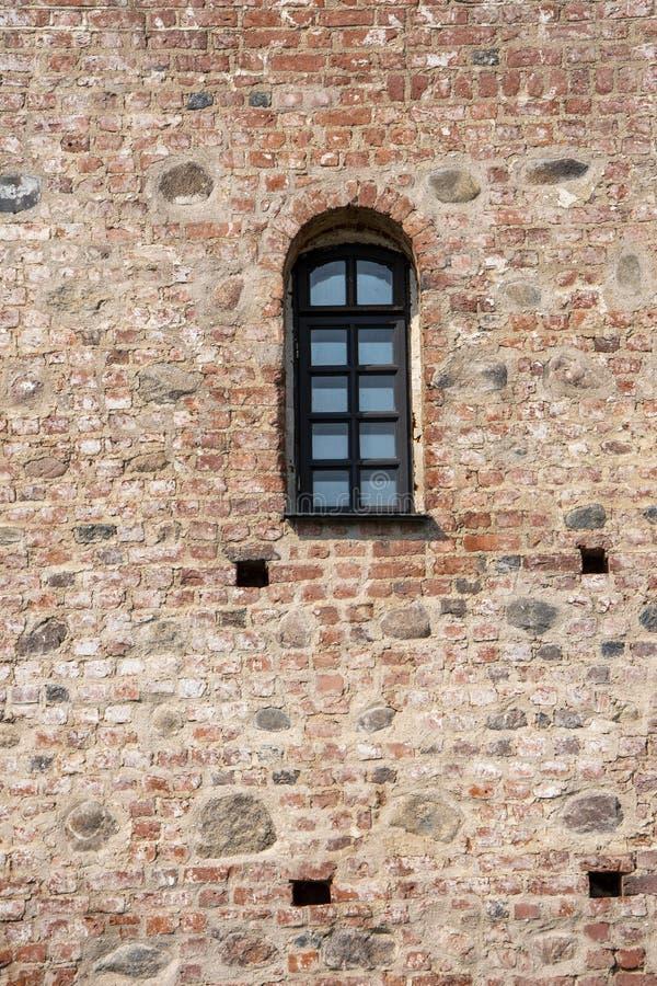 Ściana z okno antyczny kasztel fotografia stock