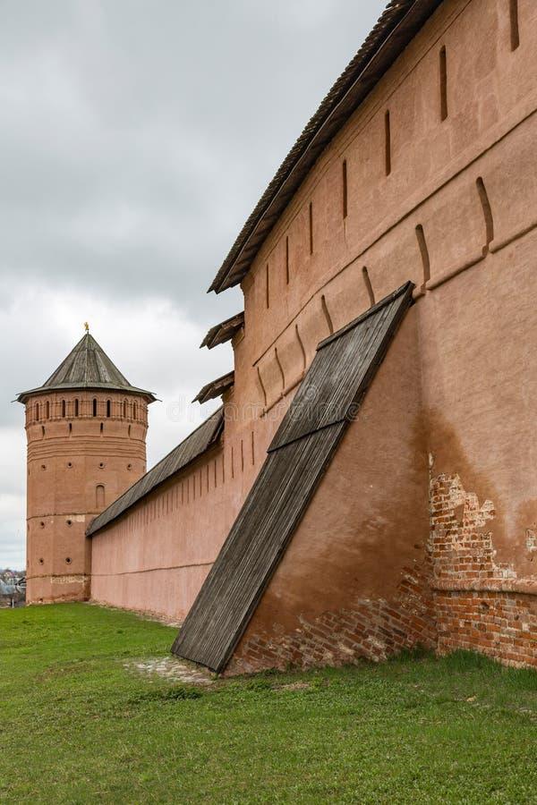 Ściany i górują Spaso-Evfimiy monaster, Suzdal, Rosja fotografia stock