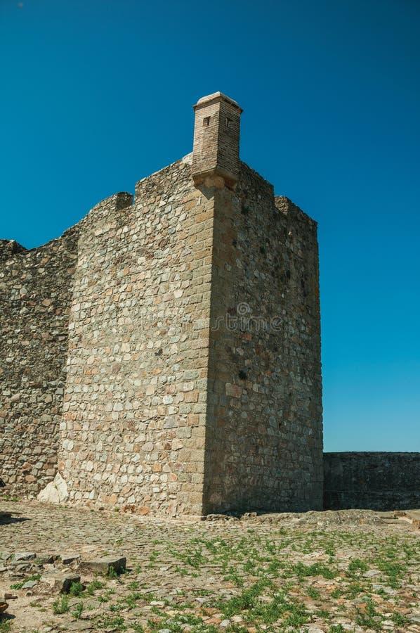 Ściany i kwadratowa wieża obserwacyjna przy Marvao Roszują zdjęcie royalty free