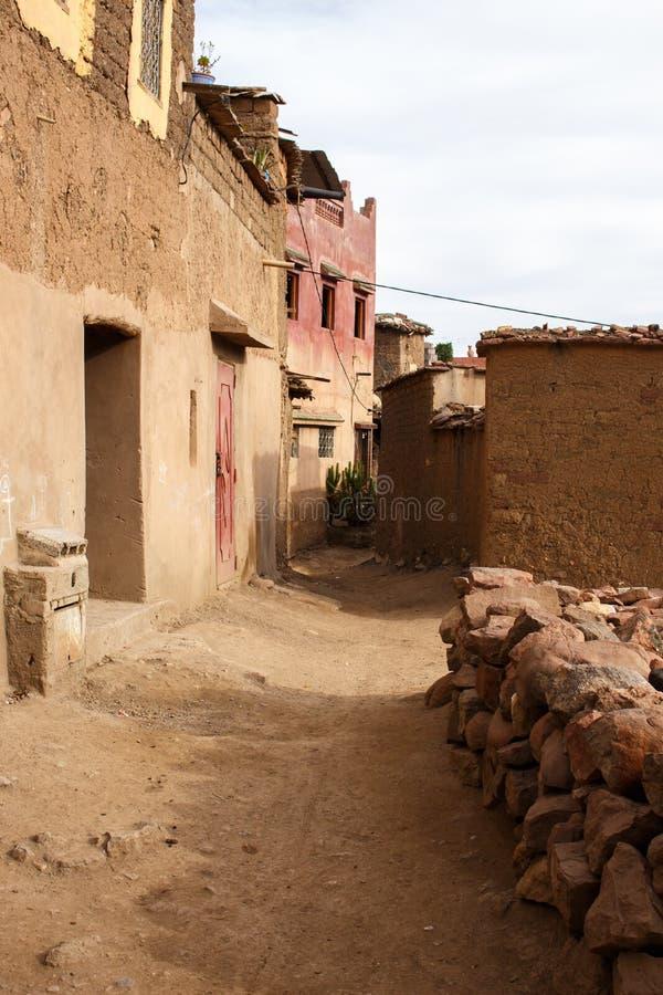 Ścieżka w Berber wiosce obrazy royalty free